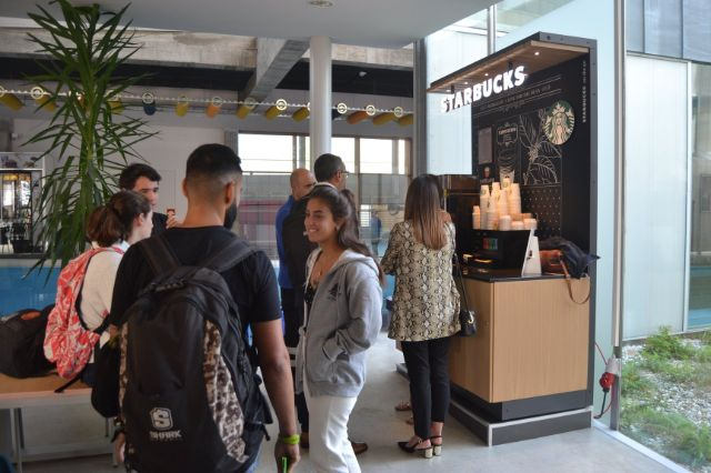 Starbucks on the go llega a la Universidad de Navarra